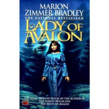 Lady of Avalon (Hardback)   {USED}